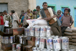 Aid food distributing only for EPRDF supporters. Groups accusing. Government deniyng
