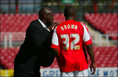 Iffy Onuora with swindontown fc palyer