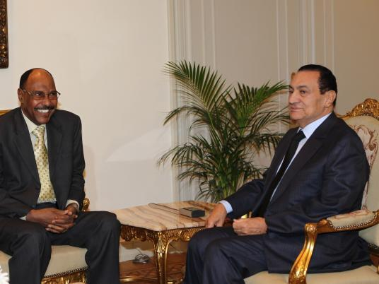 Egypt's Mubarak with Sudanese defense minister