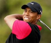 Tiger Woods shows flashes of old form