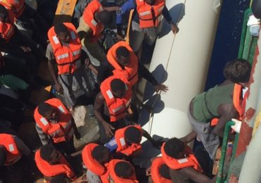 MSF rescues hundreds of refugees every day