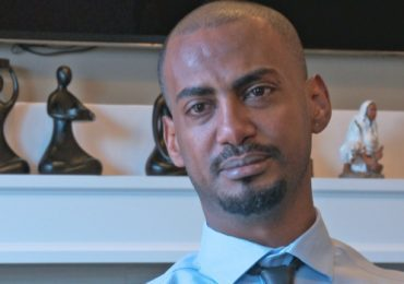Ethiopian refugee living in Edmonton takes his own story to the big screen