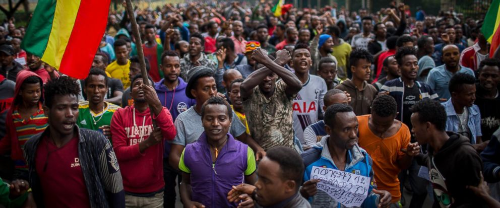 Thousands of protestors from the capital and those displaced by ethnic-based violence over the weekend in Burayu