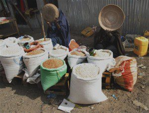 somali womans selling stolen aid food