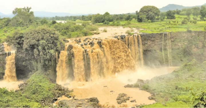 THE WEIGHT OF WATER The Blue Nile Falls, one of Ethiopia's most popular attractions, also provides hydroelectricity to the country.