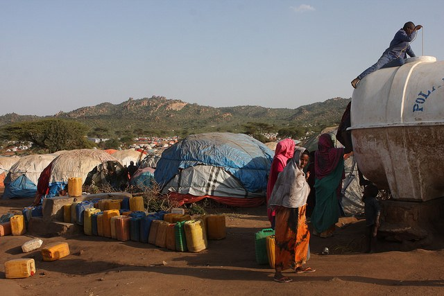 Displaced Somali at giant camps surrounded by the Kolenchi hills in Ethiopia's most eastern Somali region. Credit: James Jeffrey/IPS