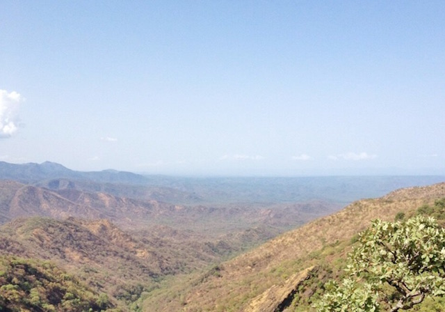 View across the gold-bearing schist rocks of the Asosa zone, Benishangul-Gumuz. Photo credit: Owen Morgan
