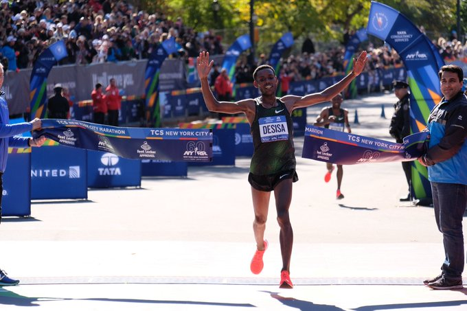 Lelisa Desisa Wins Men's Title at the 2018 New York City Marathon